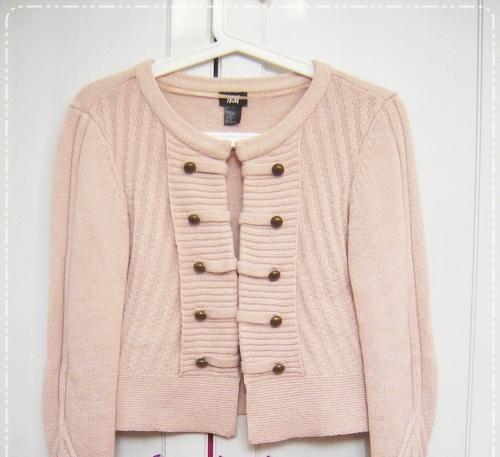 H&M militarny sweter pudrowy róż