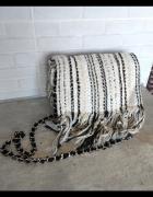 Zara tweedowa torebka listonoszka frędzle łańcuszek...