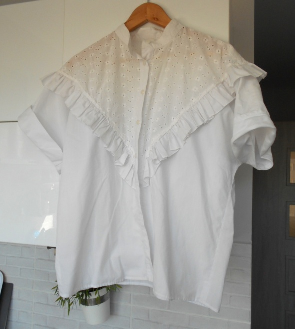 vintage koszula falbanki biała gipiura koronka