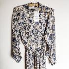 Sukienka w kwiaty ze stójką Zara M