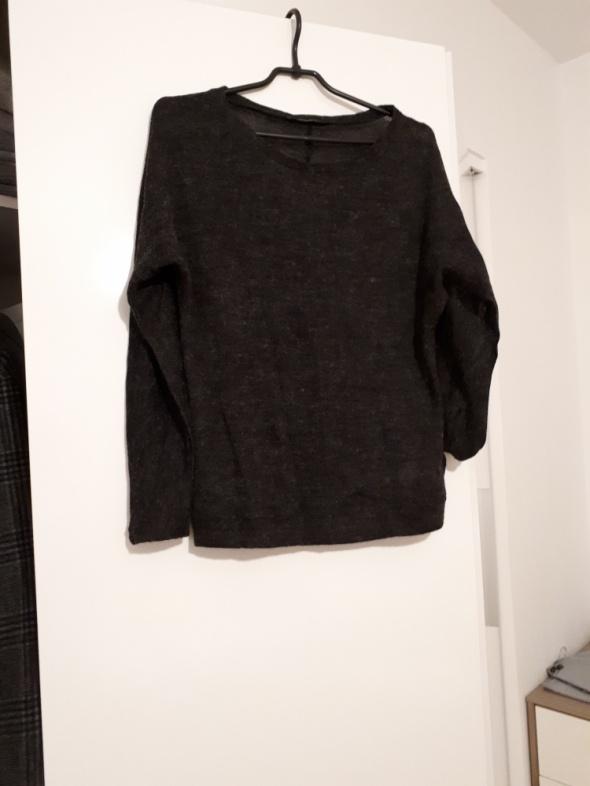 Cieniutki sweterek Reserved...