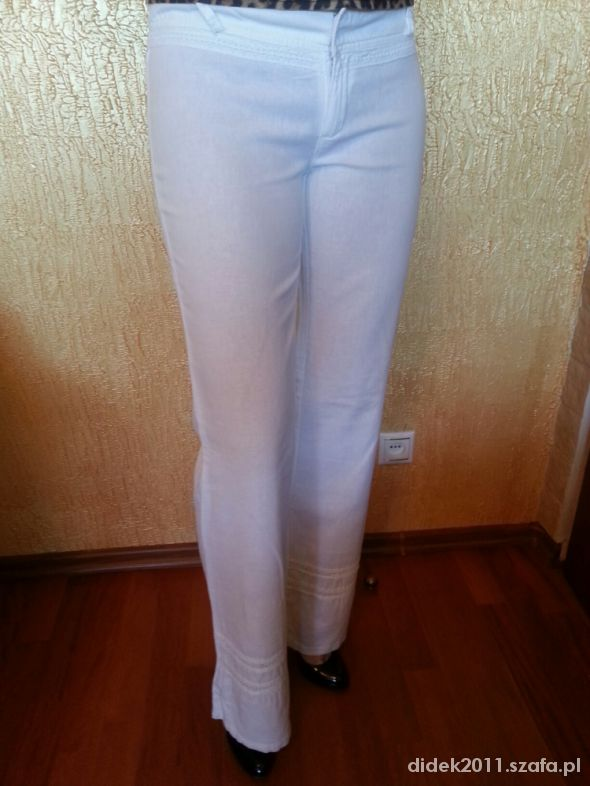 białe lniane spodnie z koronką...