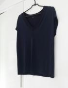 Granatowa bluzka Mohito...