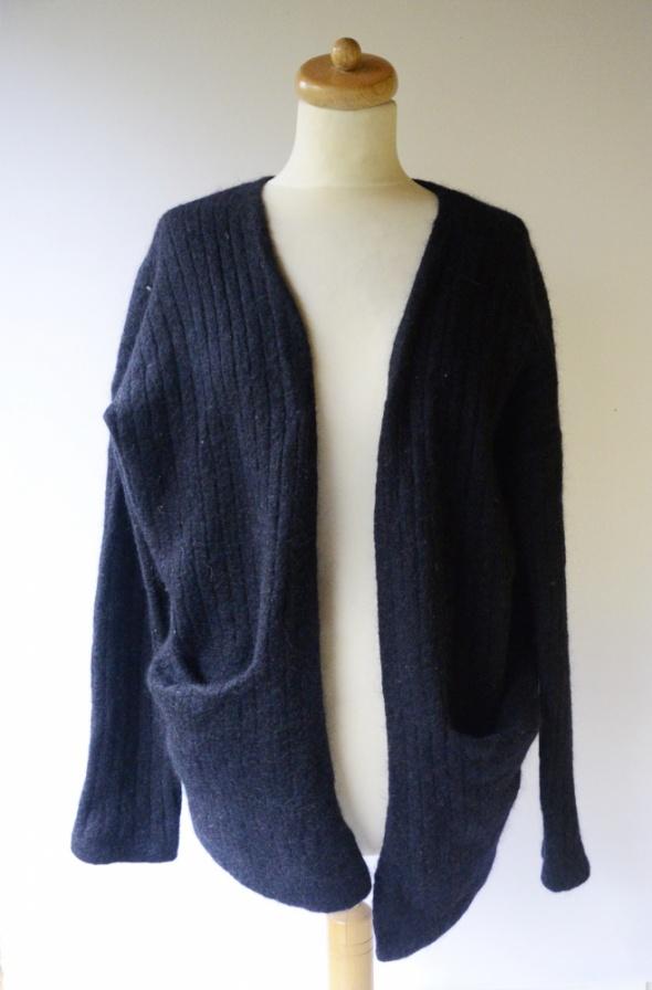 Sweter Granatowy H&M Wełna Moher Blend Narzutka M 38