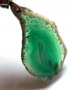 Zielony surowy agat nieregularny plasterwisiorek...