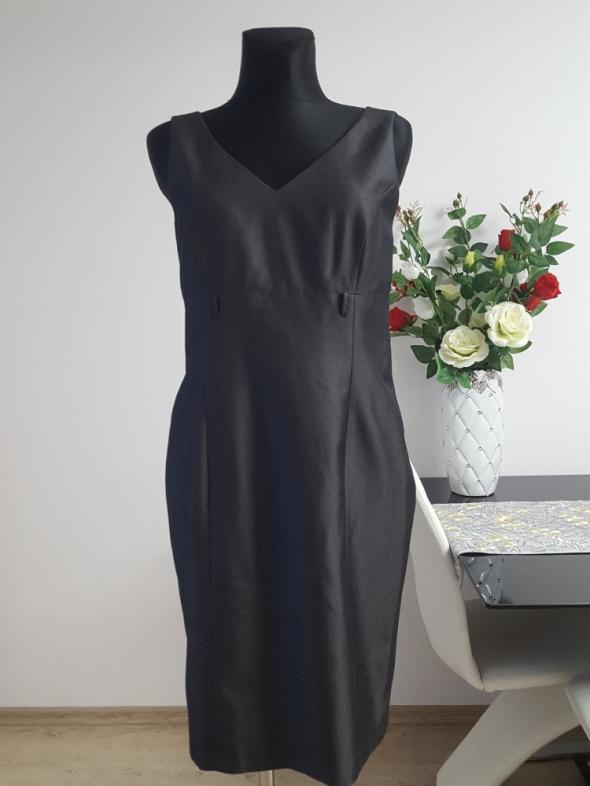 szara sukienka Esprit