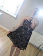 czarna koronkowa sukienka z podkładem nude...