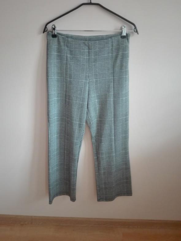 spodnie w kratę...