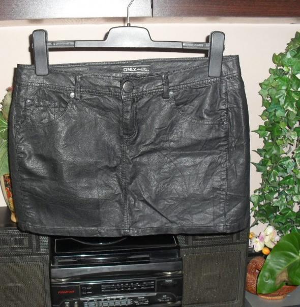 czarna skórzana spódnica roz 38