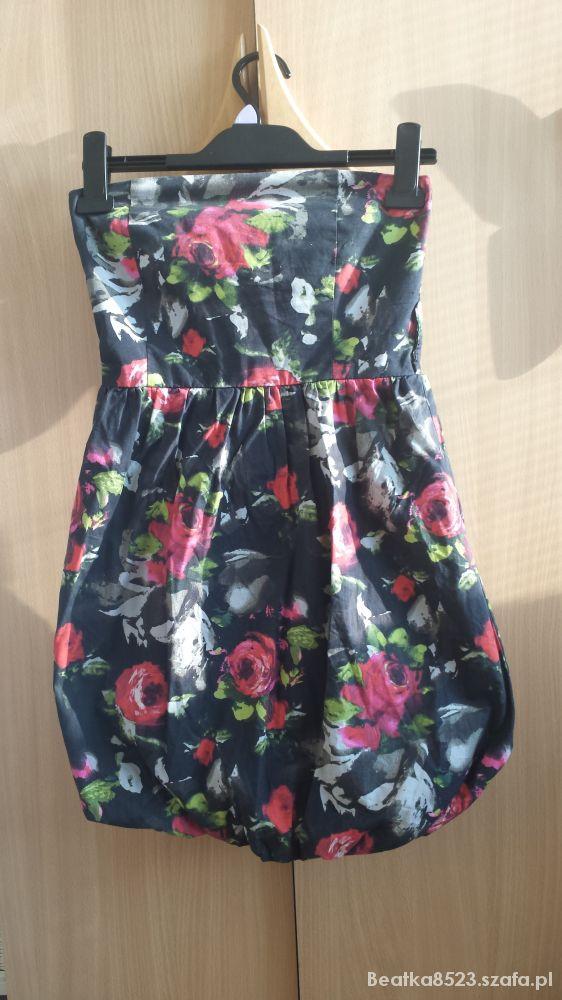 Kwiatowa sukienka bombka