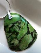 Zielony turkus z z pirytem oryginalny wisiorek...