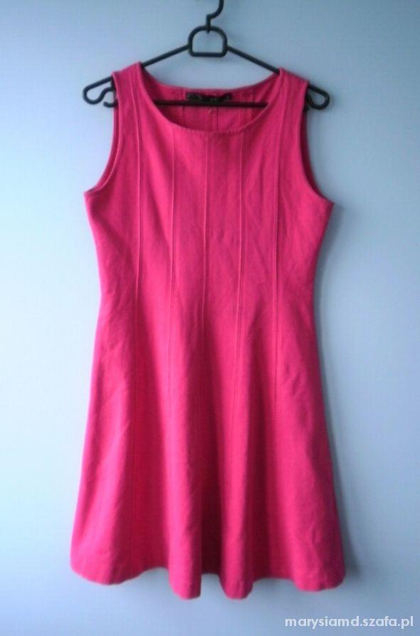Zara różowa rozkloszowana sukienka fuksjowa fuksja