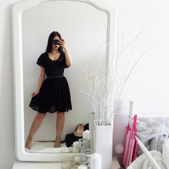 Suknie i sukienki Sukienka Gina Tricot z paskiem z ćwiekami