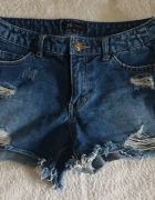 Jeansowe szorty cut...