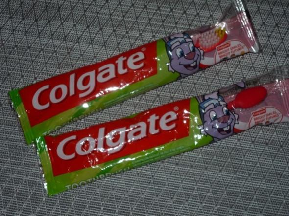 COLGATE trzy miekkie szczoteczki do zębów dla najmłodszych