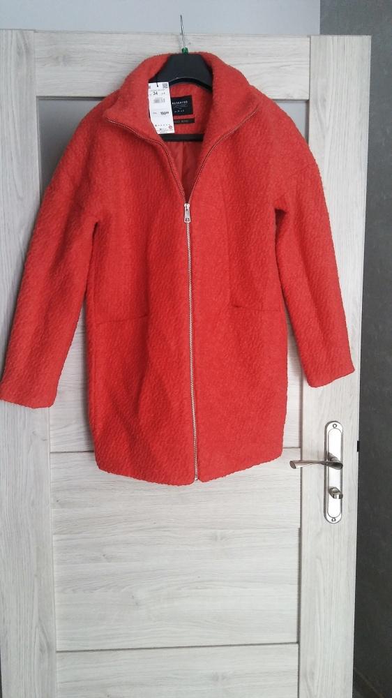 Czerwony płaszcz Reserved nowy r 34...