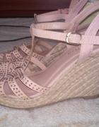 Sandały na koturnie espadryle