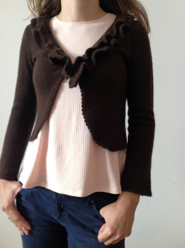 Swetry Sweter wełniany z falbanką