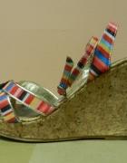 Sandały w kolorowe paski korek koturny 39...