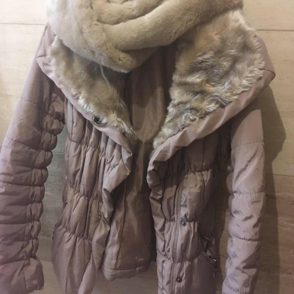 beżowa kurtka szalik futerko 36 S