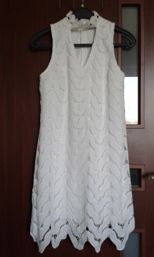Biała sukienka Missguided