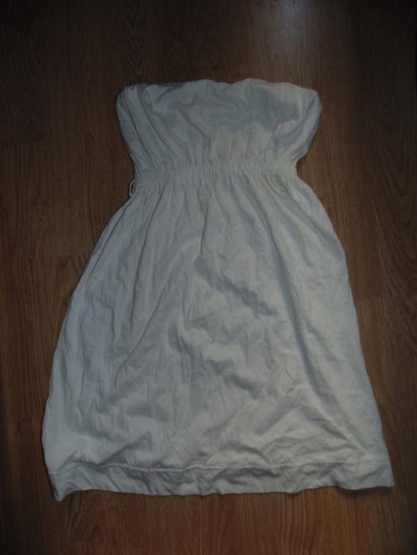 Biała sukienka Tally Weijl...