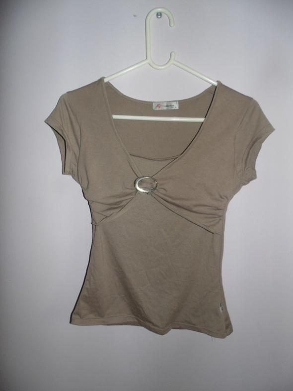Bluzki Beżowa jasnobrązowa bluzka