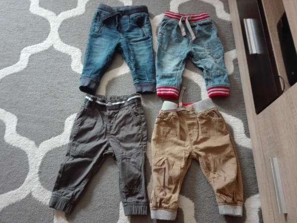 Spodnie i spodenki Jeansy chłopiece