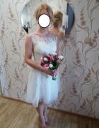 piękna biała sukienka z tiulem