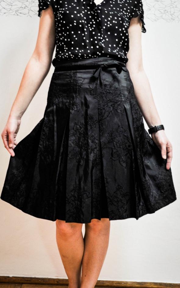 Spódnice Czarna rozkloszowana spódnica C&A