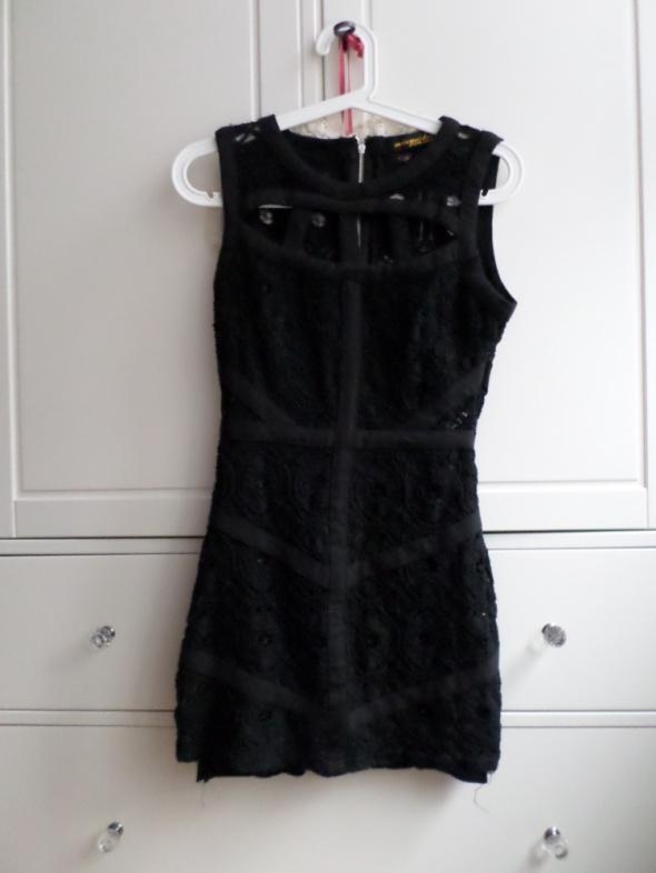 czarna obcisła bandażowa koronkowa sukienka 36 S