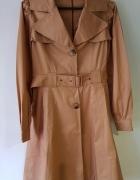 Beżowy płaszcz Atmosphere
