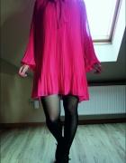 Luźna plisowana sukienka...