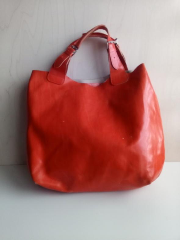Skórzana pomarańczowa torebka
