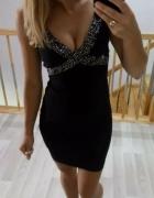 Czarna seksi mini sukienka z cyrkoniami