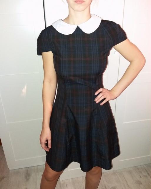 Kloszowana sukienka pensjonarka krata
