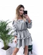 Sukienka z falbankami rozkloszowana odkryte ramiona rozmiar S...