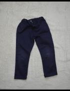Chłopięce spodnie ciemny granat 98...