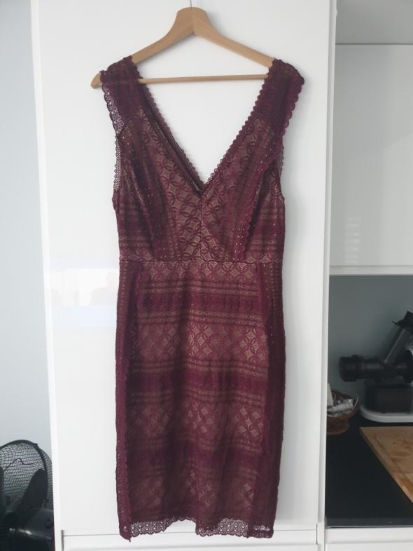 Oasis sukienka bordowa ML