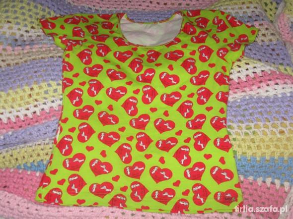 zielona w serduszka koszulka
