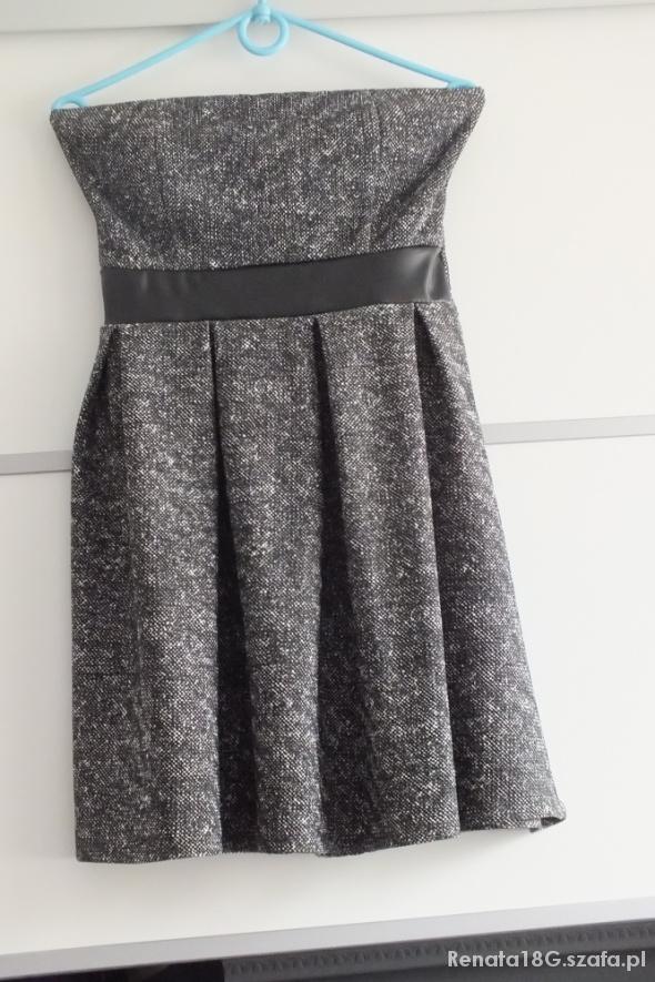 Suknie i sukienki 366