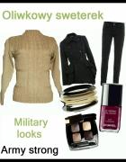 Oliwkowy sweterek military looks...