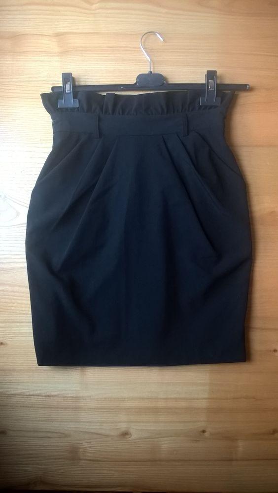 Czarna spódnica SIMPLE...