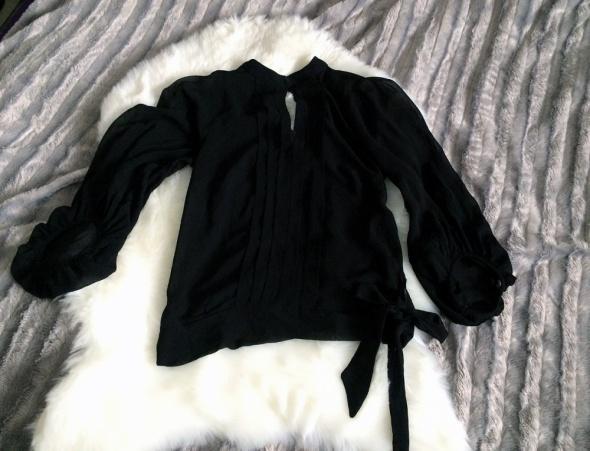 Elegancka Bluzka New Look Czarna plisy stojka Kokarda lezka