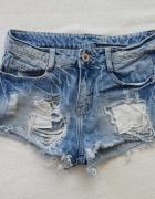 jeansowe krótkie spodenki z dziurami DZIURY 34 XS...