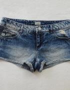 Pull Bear jeansowe krótkie spodenki marmurki 34 XS...