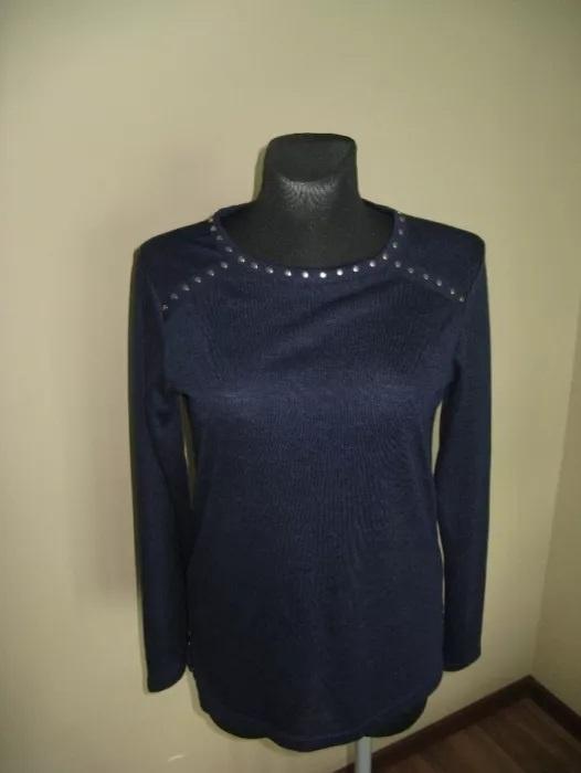 Granatowa bluzka