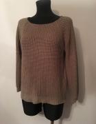 Sweter beżowy ciemny złota nitka M na L...