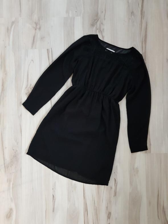 Czarna rozkloszowana sukienka z koronką 38 M
