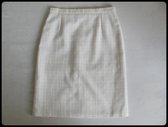 Świetna spódnica klasyczna 40 L z podszewką SIGMA